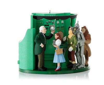 2012 Hallmark WIZARD OF OZ Magic Ornament THE MAN BEHIND THE CURTAIN Dorothy