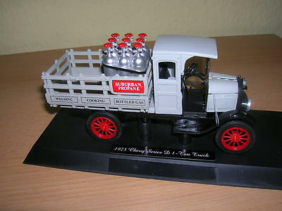 NewRay Chevy Pickup 1923 Series D Load Gas bottles 1:32 Model railway 1 gauge
