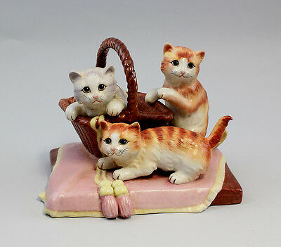 a8-37292 NEW Porcelain Playing Cats with Basket Cat