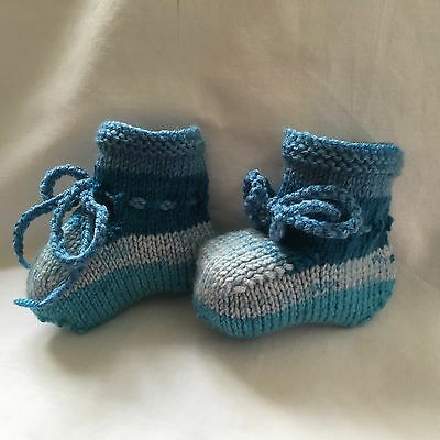 BABY BOOTIES Blue Mix Striped 0 to 3 months Boy Hand Knitted Smart Bootees New