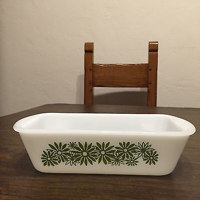 """Vnt Mint Cond GLASBAKE Milk Glass w GREEN """"DAISY DAYS"""" Flowers LOAF Pan"""