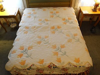 MAINE Vintage 1930's Pretty Applique Pastel Tulip Full Quilt Hand Made Quilted