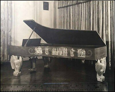 Dunbar BECK: Collection of Designs for the White House Steinway Piano