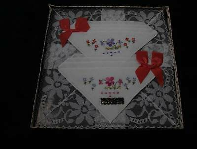 Vintage Boexed Lace Embroidery Handkerchiefs (3869)