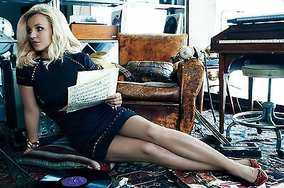 Britney Spears Unsigned 8x12 Photo (158)