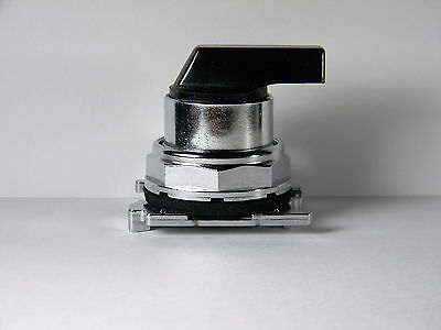 Eaton C-H 10250T3043 Selector Switch 3 Position Momentary Right-Left-CenterMaint