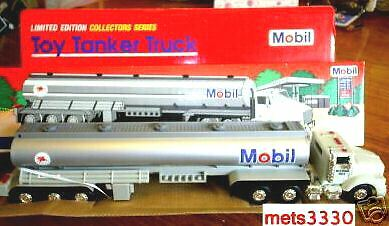 Mobil Oil/Gas 1993 Tanker Truck Lights & Sounds Red Box  +7