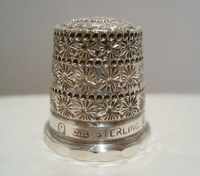 *RARE* CHARLES HORNER 9 Sterling Silver TRIPLE DAISY BAND Tall Hat THIMBLE c1910