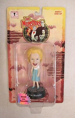 Moc 1999 Sideshow Toy Little Big Heads The Munsters Marilyn Munster Figure