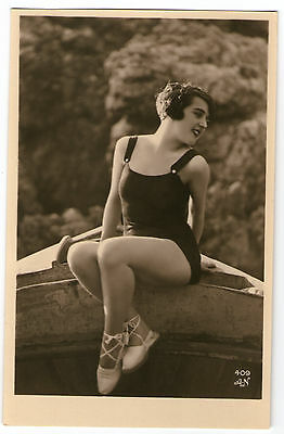 Cpa 409-3 Baigneuse Garconne Art Deco Miss Pin-Up Nue Flappers Bathing Beauty