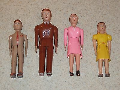 Vintage Renwal Usa Set 4 Family Doll House Figurines Mom Dad Bro Sis Jointed