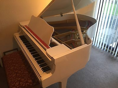 Yamaha G2 White Baby Grand Piano Excellent Condition