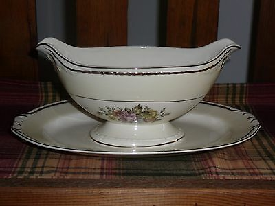 Homer Laughlin Eggshell Georgian English Regency Gravy Boat w/attached plate
