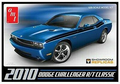 2010 Dodge Challenger R/T Classic 1/25 scale skill 2 AMT plastic model kit#671