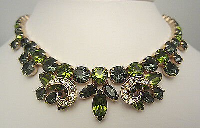 """Rare Vtg 18""""x1"""" Signed Weiss Goldtone Emerald Peridot Green Glass RS Necklace A9"""