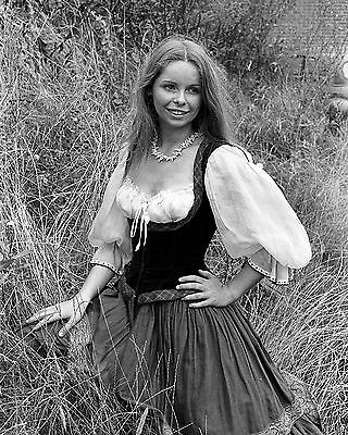 "Lalla Ward Dr Who 10"" x 8"" Photograph no 1"