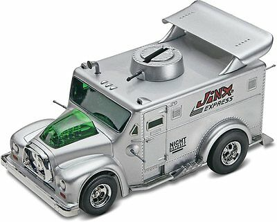 Jinx Express Armored Car Piggy Bank 1/24 Scale skill 2 Revell model kit#6899
