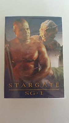 Stargate SG1 Season 4 base card set of 72 cards Near mint condition