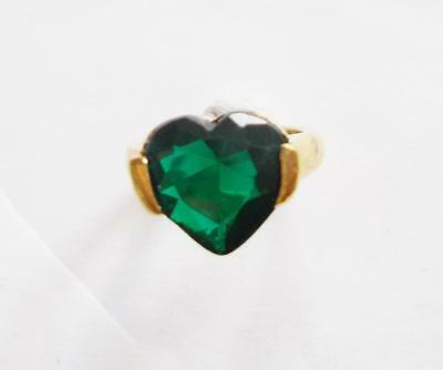 Vintage Emerald Green Coloured Acrylic Crystal Heart Gold Tone Cocktail Ring