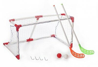 Spartan- Junior Hockey Set. 1 Tor (91x67x49cm). 2 Sticks. 2 Bälle. 4 Heringe.
