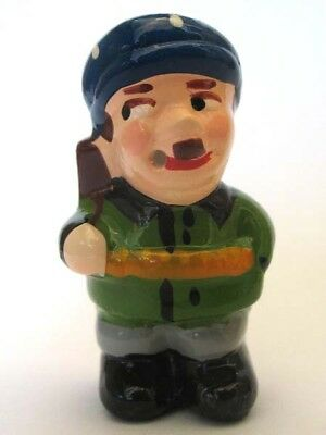 Figurine Russian Soldier Partisan Guerilla Smoker & Cigarettes Blows Smoke Rings