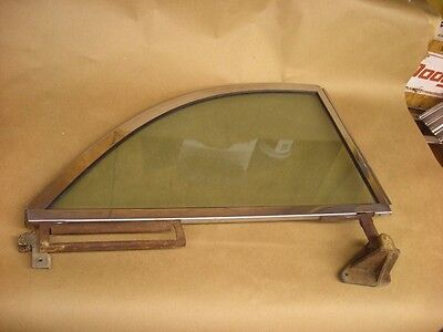 1952 1953 1954 Ford Victoria Skyliner Convertible Mercury Quarter Glass Right
