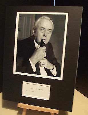 HAROLD WILSON British Prime Minister Genuine Signed Display UACC RD#285 COA