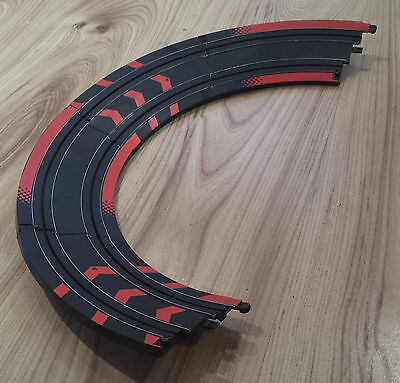 Micro Scalextric 1:64 Track - L7550 Banked Curves Bends x 4 - Red / Black