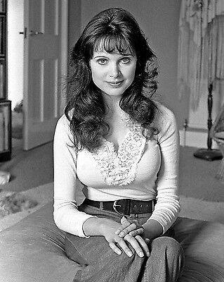 """Madeline Smith Carry On Films 10"""" x 8"""" Photograph no 6"""