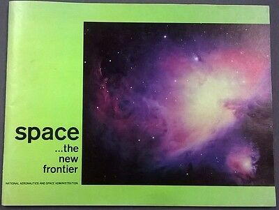 1963 NASA Space...the New Frontier 76-page illustrated book Gemini, Apollo plans