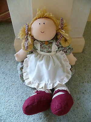 The Snuggle B's Boyds Collection Ltd Cloth Doll Rose 4652