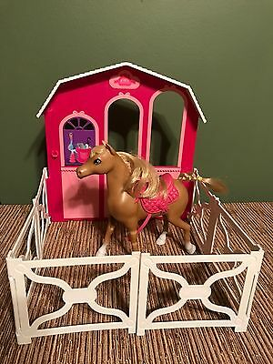 BARBIE & Her Sisters DOLL in a Pony Tale Deluxe Stable Horse & Fence Playset
