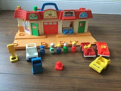 "♥ VINTAGE Fisher Price #2500 ""Play Family Main Street"" aus 1986 !!!!!!! ♥"
