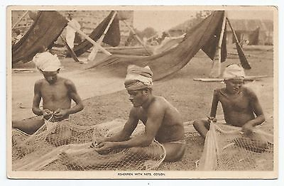 POSTCARD-CEYLON-PTD. Fishermen with Nets.