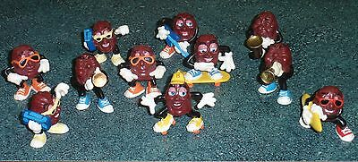Lot of 11 Vintage California Raisins Characters Collectibles - GREAT GIFT!