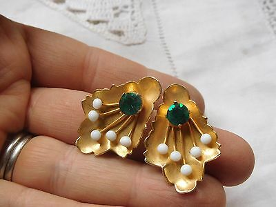 Pretty Vintage 1960s Pair of Green Crystal Clip on Earrings