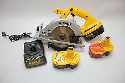 """DeWALT DC390 18V 6-1/2"""" Cordless Circular Saw With 3 batteries & charger Works"""