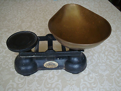 The Salter Staffordshire Old Vintage Black Cast Iron Kitchen Scales Brass Bowl