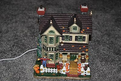 Lemax 2005 Autumn Fall Thanksgiving Lighted House