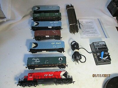 Canadian Pacific 6 Car Freight Train Set.  H.o. Scale .complete Ready To Run Se