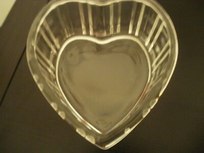 Clear Glass Ribbed Design Heart Dish