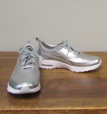 NIKE 6.5 Women's AIR MAX THEA Metallic Silver Running Shoes