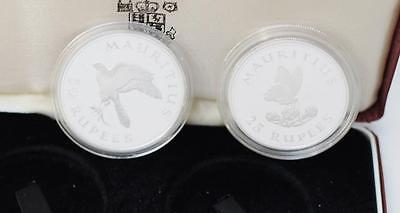 Kestrel and Butterfly 1975 Mauritius 2 Coin Set Ag