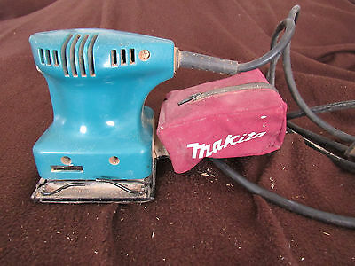 Makita Finishing/Detail Sander BO4550 With Dust Collector
