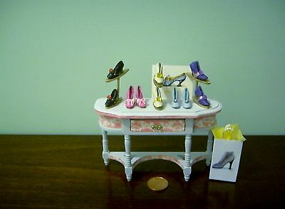 1/12Th Scale Handmade Leather Shoe  Display  By Chrischell