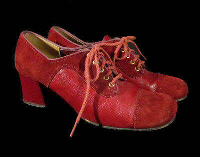 MOD SUEDE SHOES Vintage 'Loves' Rust Mary Janes Chunky Heels Lace Up 7 or 8 Vntg