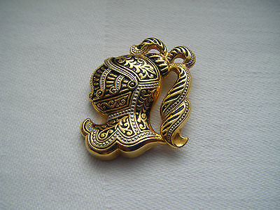 Vintage Damascene Knight design gold tone brooch pin C1960s