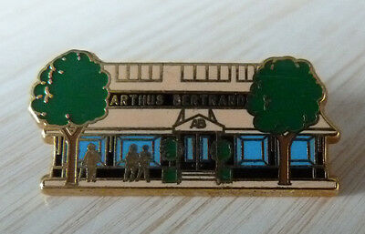 Rare Pin's Devanture Magasin Vitrine Bleu Arthus Bertand Paris