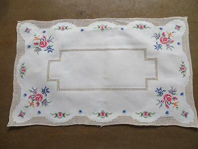 Beautiful Set of Six Linen Vintage Rose Embroidery Tapestry Placemats Tablemats
