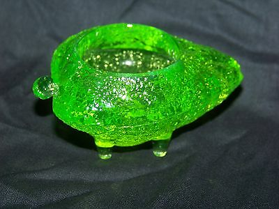 Green  Vaseline Glass Uranium Footed Strawberry Salt  Tableware  (( Id121233 ))